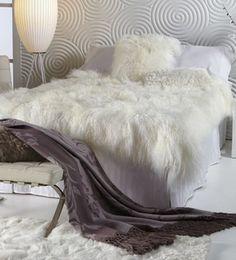 Alfombra de piel auténtica de oveja de la  firma norteamericana Fibre By Auskin