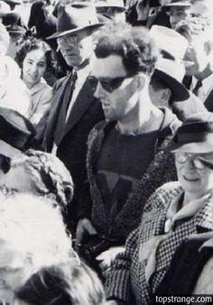 Proof of time travel! Look at his clothes and sunglasses.