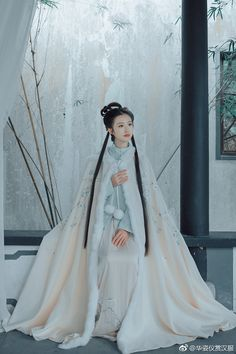 🍋🍋🍋just what the title said . Traditional Fashion, Traditional Dresses, Traditional Chinese, Hanfu, Dynasty Clothing, China Girl, Chinese Clothing, Retro Outfits, Ulzzang Girl