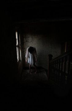 Where is the difference between creepy and madness. Creepy Photography, Horror Photography, Dark Photography, Creepy Horror, Creepy Art, Scary, Creepy Images, Creepy Pictures, Horror Pictures