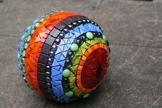 paradis express: Ta Dah - mosaic ball for garden
