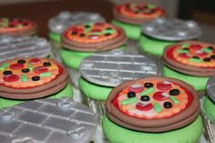 TMNT themed cupcakes.