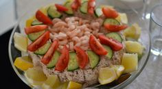Lækker opskrift på karolines tunmousse, som er nem og lige til at gå til med ingrediensliste og fremgangsmåde.