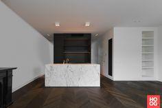 Hongaarse punt in regio Amsterdam First Home, Interior Inspiration, Sweet Home, Bathtub, Flooring, Interior Design, Bathroom, Modern, Kitchen