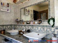 Villa de charme prestations haut de gamme amateurs beaux volumes. Cuisine de qualité 20 m2, séjour en L 55 m2, chambre parentale, 2 grandes chambres, salle de jeu. 2 pièces en sous sol. Terrain arboré clos. 10mn Orléans  http://www.partenaire-europeen.fr/Annonces-Immobilieres/France/Centre/Loiret/Vente-Maison-Villa-F6-SAINT-JEAN-DE-BRAYE-1015788 #maison #salledebains