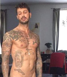 Fabrizio Corona: selfie nudo su #Instagram  qui la #notizia > https://www.spettegolando.it/fabrizio-corona-selfie-nudo-su-instagram.html