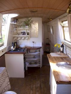 Rv Interior Design 21 Airstream Interior, Campervan Interior, Living On A Boat, Tiny Living, Compact Living, Rv Living, Canal Boat Interior, Narrowboat Interiors, House Boat Interiors