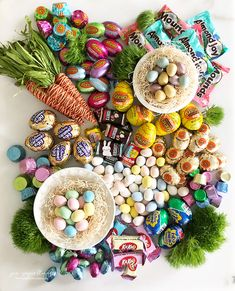"""Look at this gorgeous """"Fresh Spring Confectionery Board"""" you guys! Remember the Valentine's Day confectionery board ( aka charcute. Easter Candy, Hoppy Easter, Easter Treats, Easter Eggs, Easter Food, Easter Decor, Easter Centerpiece, Easter Table, Easter Gift"""