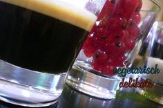 Johannissbeerjoghurt mit Vanille und Zimt dazu einen köstlichen Espresso