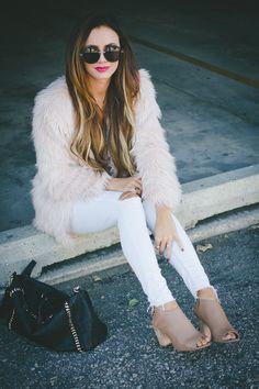 @lovebylynn goes glam in a light pink H&M faux fur jacket. | H&M OOTD