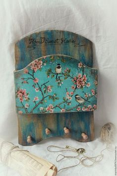 Fabric Painting, Painting On Wood, Decoupage Letters, Decoupage Vintage, Decoupage Ideas, Arte Country, Wood Crafts, Diy Crafts, Vintage Wood