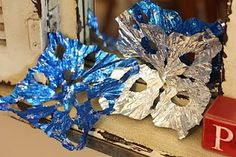 This idea came to me as I was eating one of the delicious Dove chocolate truffles that Prince Charming put in my stocking. Homemade Christmas Gifts, Homemade Gifts, Christmas Crafts, Christmas Ideas, Christmas Tree, Sweet Wrappers, Candy Wrappers, All Craft, Crafts For Kids