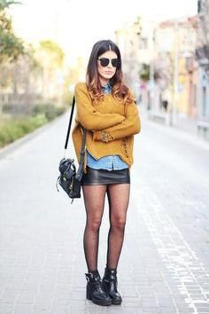 Got a black leather skirt - chambray shirt mustard sweater + hose and bikerboots= another outfit done! Fashion Mode, Look Fashion, Skirt Fashion, Winter Fashion, Fashion Tights, Latex Fashion, Fashion Black, 30 Outfits, Mode Outfits