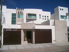 fachadas de casas modernas de dos pisos en mexico - Google Search Residential Architecture, Architecture Design, California Cool, Modern Door, House Doors, House Elevation, Exterior Design, Luxury Homes, Sweet Home