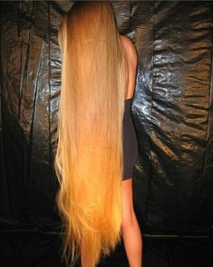 Addicted To Long Hair : Photo Soft Hair, Silky Hair, Beautiful Long Hair, Gorgeous Hair, Really Long Hair, Rapunzel Hair, Dream Hair, Hair Photo, Hair Lengths