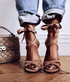 3 Marvelous Useful Ideas: Yeezy Shoes 360 converse shoes slip on.Converse Shoes Slip On shoes tenis adidas. Cute Shoes, Me Too Shoes, Shoe Boots, Shoes Heels, Strappy Shoes, Heeled Boots, Nude Heels, Louboutin Shoes, Stiletto Heels