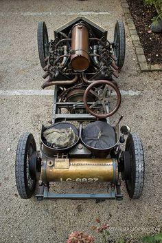 1905 Darracq 200 HP Land Speed Record Car 1.jpg