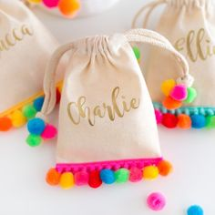 A collection of the best Creative Goodie Bag Ideas for Kids Birthday Parties including a flamingo bag, pom pom goodie bag, & shark and mermaid treat bags! Goody Bags, Party Favor Bags, Treat Bags, Favor Boxes, Fiesta Party Favors, Goodie Bags For Kids, Mexican Party Favors, Favor Favor, Favours