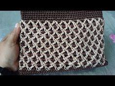 Hola, hoy te muestro como realizar un hermoso bolso bicolor, super facil de realizar, no necesitas ser experta en crochet para poder hacerlo, el hilo que est...