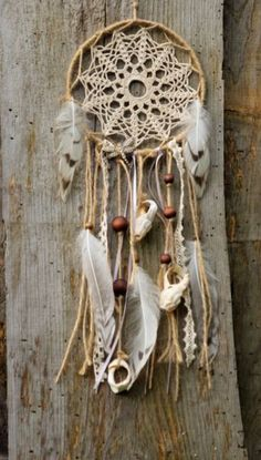 Do it yourself Ethno dream catcher - girl stuff Shopping For The Best Discount Chandeliers Article B Sun Catchers, Lace Dream Catchers, Dream Catcher Mobile, Diy And Crafts, Arts And Crafts, Diy Tumblr, Horseshoe Crafts, Boho Decor, Mobiles