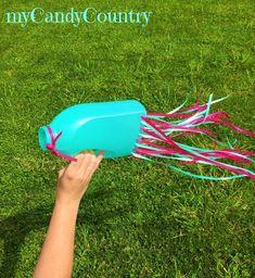 Come costruire una manica a vento riciclando un flacone di detersivo. Idea di riciclo creativo ideale per i bambini.  #manicaavento #bambini #diycrafts #mycandycountry #gioco #vento #wind #tutorial    Seguimi su: www.mycandycountry.it