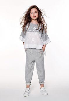 TWINSET : LOOKBOOK : GIRL Tween Fashion, Toddler Fashion, Look Fashion, Fashion Outfits, Moda Junior, Little Girl Dresses, Girls Dresses, Stylish Toddler Girl, Baby Kind