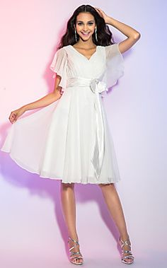 A-line/Princess V-neck Knee-length Chiffon Cocktail Dress – GBP £ 88.66