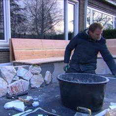 Tom heeft het oude bistro setje in de voortuin van wianda for Foto op hout maken eigen huis en tuin