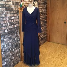 """Sophisticated MOB Dress, Navy Blue Two piece special occasions dress, long sleeve, V-neck, layered skirt, chiffon fabric, actual measurement: bust 39"""",waist 31"""" Alfred Angelo Dresses Wedding"""
