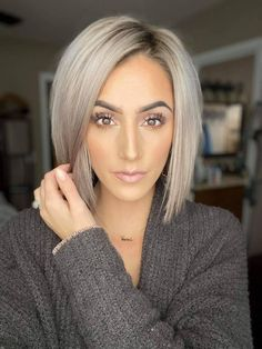 70 Bob Hairstyles: Modern Bob Haircuts For 2019 - Hairstyles Trends Hair Color And Cut, Haircut And Color, Bob Hair Color, Haircuts For Fine Hair, Modern Bob Hairstyles, Short To Medium Haircuts, Modern Bob Haircut, Short Straight Hairstyles, Bob Haircuts For Women