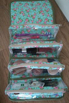 Best 12 Different types of patchwork handbag – ArtsyCraftsyDad Diy Purse Organizer, Purse Organization, Sewing Hacks, Sewing Projects, Diy Makeup Bag, Denim Handbags, Craft Bags, Quilted Bag, Love Sewing