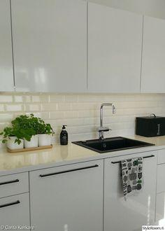 fasettilaatta,komposiittiiallas,damixa,vetimetön,keittiö,pitkät vetimet,minun keittiöni