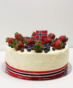 Flag cake ( Norsk Flaggkake / 17:e mai kake / Flaggtårta) | Dellie Delicious Norwegian Style, Norwegian Food, Flag Cake, How To Make Cake, Cheesecake, Cupcakes, Cake Making, Dessert Ideas, Cooking