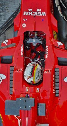 2017/11/30:Twitter: @sebvettelnews : Cool overhead shots of Sebastian Vettel in his Ferrari during testing, yesterday at Yas Marina. @suttonimages #F1Testing #F1 #Seb5