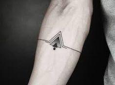 Resultado de imagen para tatuajes pequeños para hombre