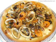 Pizza aux fruits de mer - Notre recette illustrée - Meilleur du Chef Stromboli, Calzone, Outdoor Kitchen Bars, Pizza Recipes, Vegetable Pizza, Entrees, Food To Make, Food And Drink, Cooking