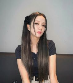 Kpop Girl Groups, Korean Girl Groups, Kpop Girls, Blackpink Icons, Aesthetic People, Jennie Blackpink, Blackpink Jisoo, Plait, Soyeon