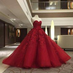 Red ball gown Ctto