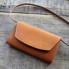 """""""So proud of this piece, designed in collaboration with the great people at Beautiful Horween Essex exterior and tons of room inside for all…"""" Small Leather Bag, Leather Art, Leather Design, Suede Handbags, Purses And Handbags, Leather Bags Handmade, Cute Purses, Leather Projects, Leather Working"""