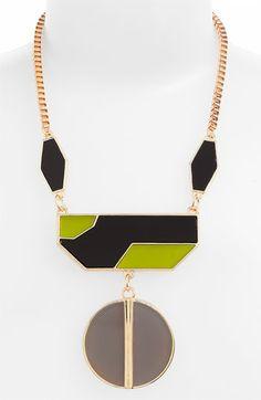 Deco statement necklace