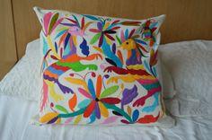 Almohadas Organicas OTOMI | Bordados Otomi Mexicanos  | Fundas almohadas colores  | Fundas almohadas MEXICO  | Cojin colores Otomi  | Cojin