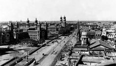 The Esplanade Road with the Madras High Court on the left.Circa 1905.