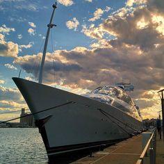 Iot de luxe Yas al port de #Tarragona  141 metres d'eslora.  #yacht #iot #clouds #nuvols #port #harbor #luxury #luxe by lo.clorofil.la