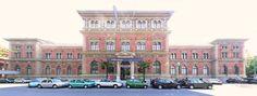 MAK - Museum für angewandte Kunst (Museo delle Arti Applicate). Fondato nel 1863 come museo per l'arte e l'industria, custodisce mobili e arredi realizzati dal medioevo all'epoca contemporanea, oltre che modelli in scala di edifici realizzati da architetti contemporanei. (Ringstraße, Wien)