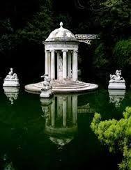 Maze Gardens at Ruspoli Castle Northern Lazio, Italy plan - Поиск в Google #italyplanning