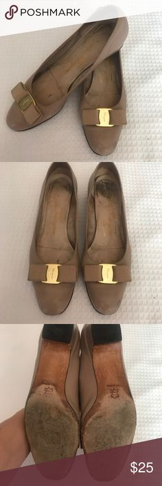 Salvatore Ferragamo Classic Low Heel I normally would not sell something in this condition. But I know there are collectors out there that would want to repurpose the bows or just use them as knock around flats. 8M Salvatore Ferragamo Shoes Heels