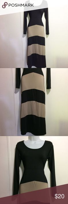 Long sleeve beautiful black and tan maxi dress Medium sized maxi dress I'm not 100% sure about the brand but it's very comfortable very stretchy light material Black and Tan striped. Full length. Dresses Maxi