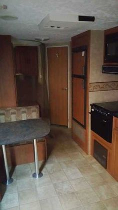 2009 Used Forest River Salem Travel Trailer in California CA.Recreational Vehicle, rv, Great Value at this price. This 2009 Salem by Forest River T 27BH is very clean and gently used. Appliances are all in above average condition and show no signs of use. There is also a Brand New queen mattress that was just installed and never used. Roof air conditioner, awning, power hitch, furnace, water heater, stove/oven, microwave, double door gas/electric refrigerator, cd player with outside…