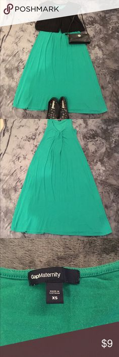 Gap brand emerald green ankle length dress Emerald green Gap brand maternity dress, ankle length, comfortable and flowy, size XS. Good condition and gently used, the shrug shown in the picture is available in another listing. GAP Dresses