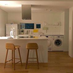 [ ♡ ] @𝙨𝙤𝙤𝙢𝙞𝙣𝙟𝙟𝙤 Interior Modern, Home Interior, Korean Apartment Interior, Korean Bedroom, Minimalist Room, Aesthetic Room Decor, Cozy Room, Dream Rooms, House Rooms